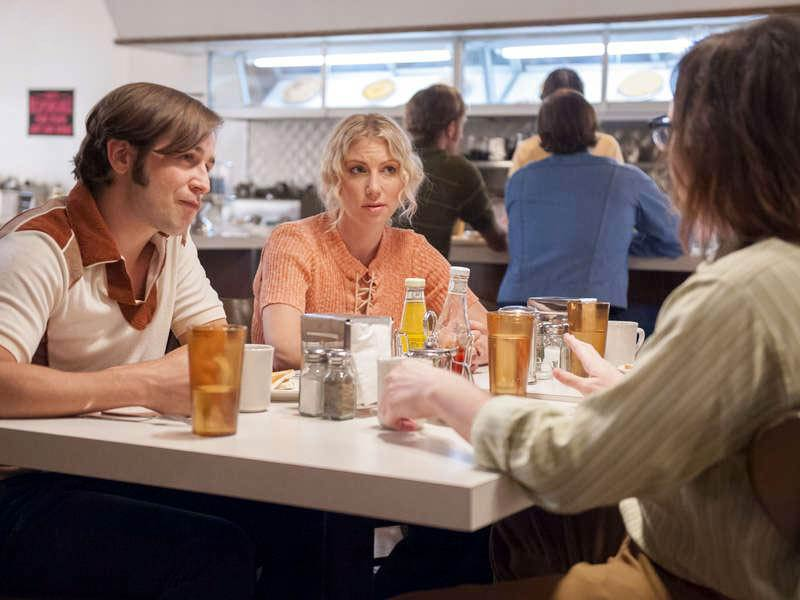 Photo Ari Graynor, Clark Duke, Michael Angarano