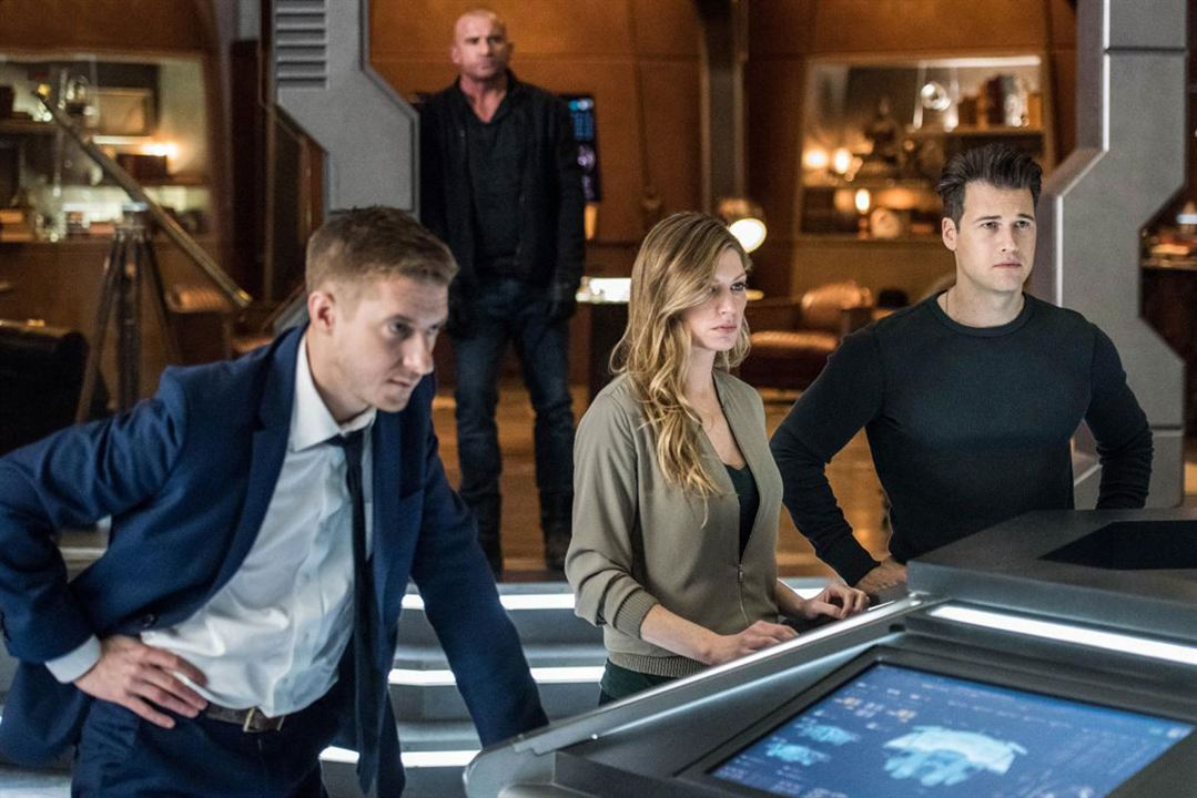 Photo Arthur Darvill, Dominic Purcell, Jes Macallan, Nick Zano