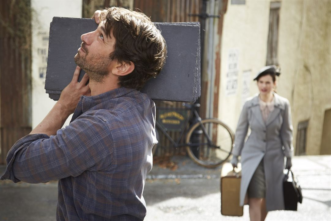 Le Cercle littéraire de Guernesey : Photo Lily James, Michiel Huisman