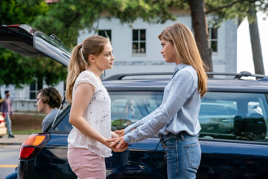 After - Chapitre 1 : Photo Josephine Langford, Selma Blair