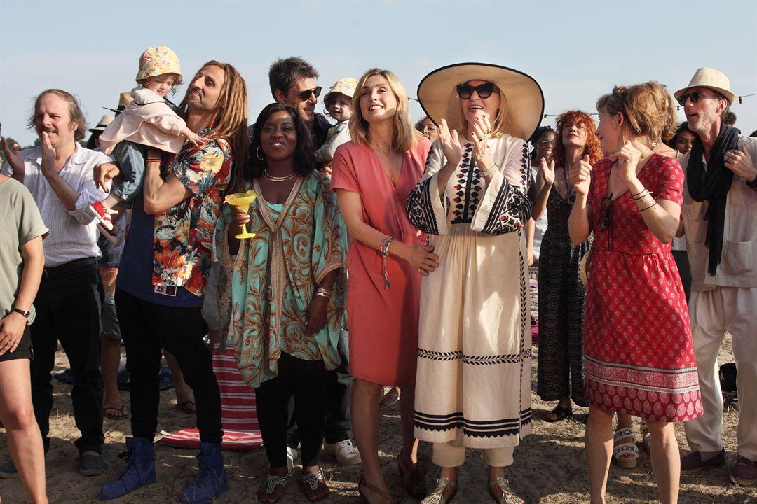 C'est quoi cette mamie?! : Photo Arié Elmaleh, Chantal Ladesou, Claudia Tagbo, Julie Depardieu, Julie Gayet