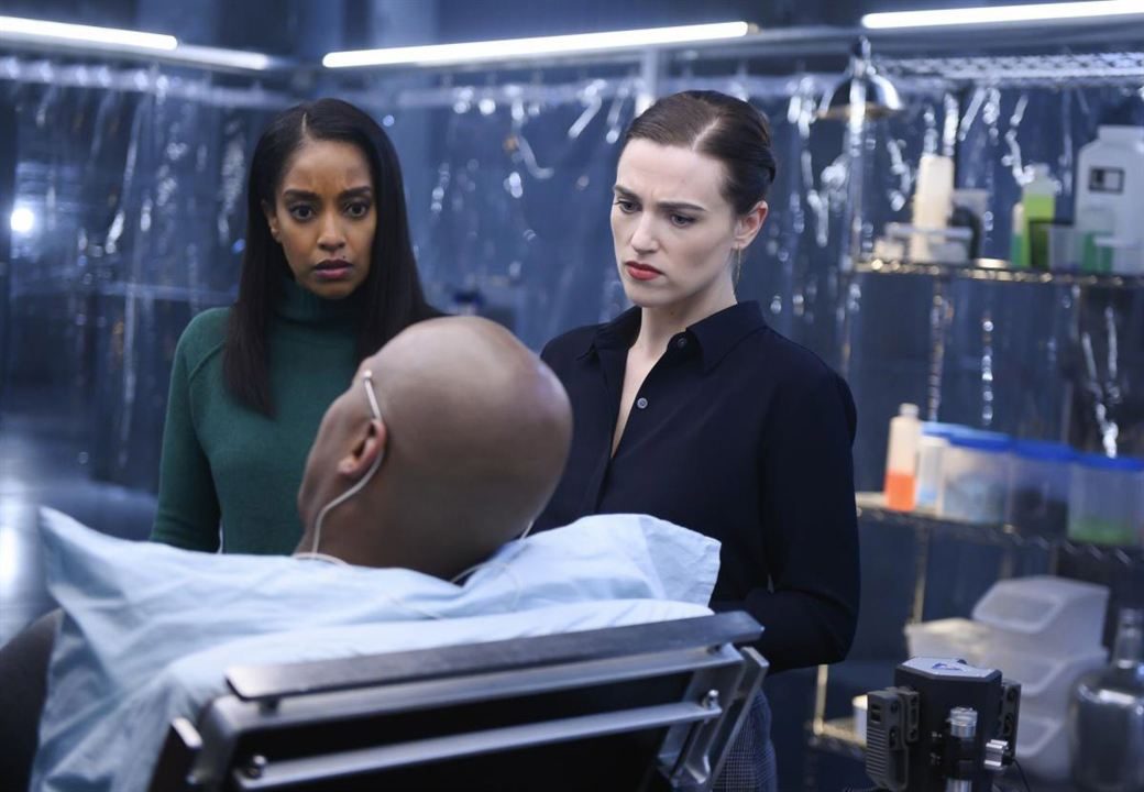 Photo Azie Tesfai, Katie McGrath, Mehcad Brooks