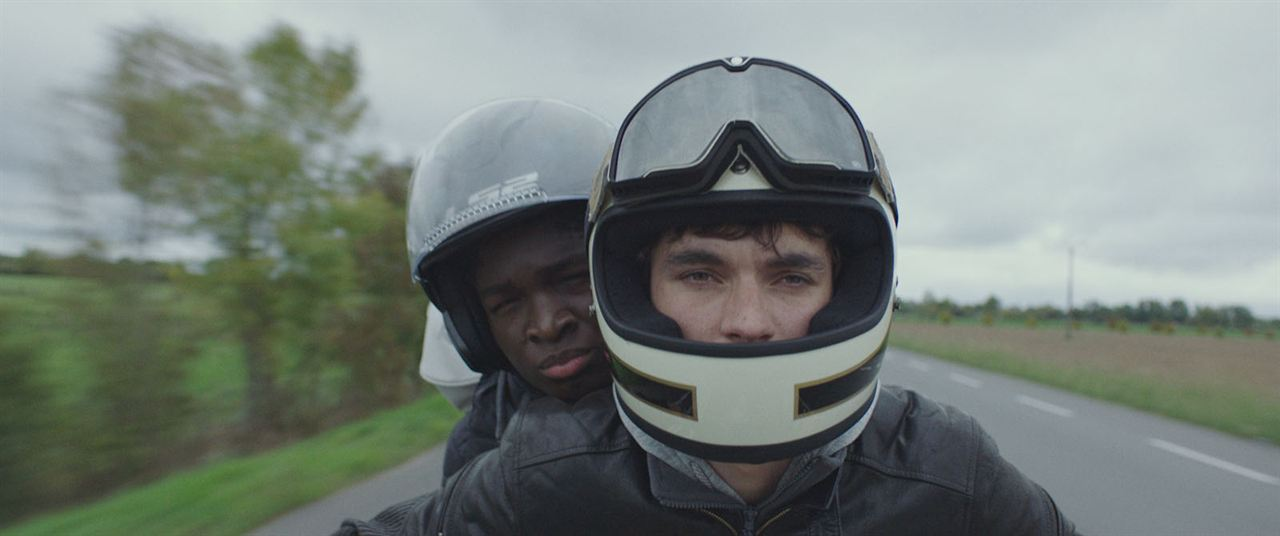 Roads : Photo Fionn Whitehead, Stéphane Bak