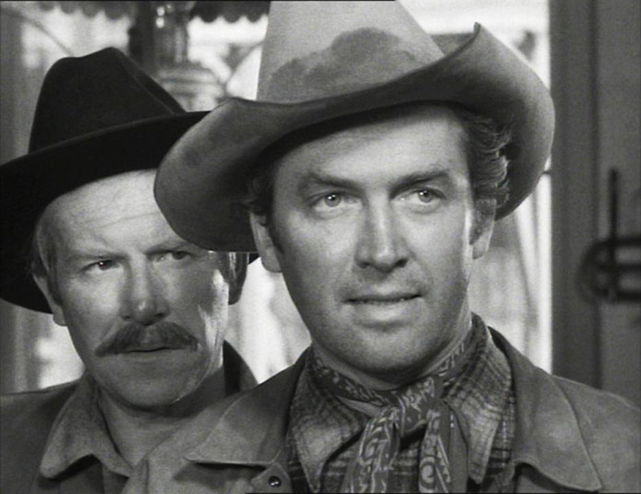 Winchester 73 : Photo James Stewart, Will Geer