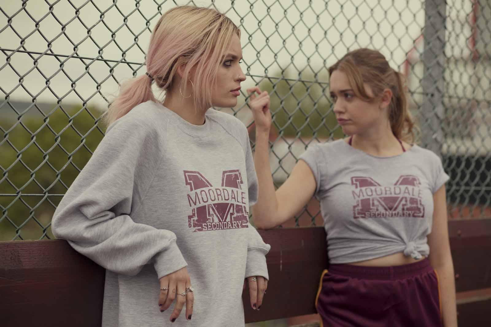 Emma Mackey (Maeve Wiley) & Aimee Lou Wood (Aimée Gibbs) |Copyright Sam Taylor/Netflix