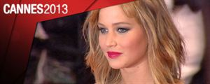 Cannes 2013 : l&#39;h&#233;ro&#239;ne de &quot;Hunger Games&quot; Jennifer Lawrence sur les marches