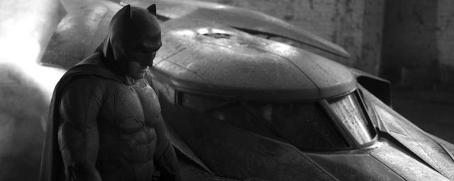 V Batman Dévoilée Batmobile Actus SupermanLa Officiellement Aq543RjL