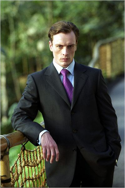 Meurs un autre jour : photo Toby Stephens