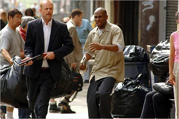 16 Blocs : Photo Bruce Willis, Richard Donner, Yasiin Bey