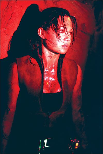 The Descent : Photo Natalie Jackson Mendoza, Neil Marshall