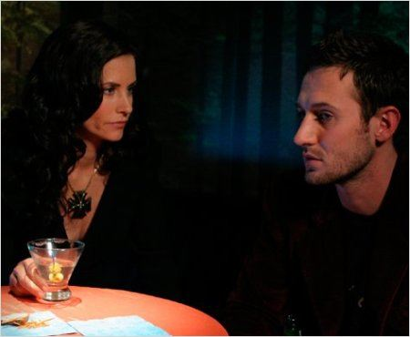 Dirt : photo Courteney Cox, Josh Stewart