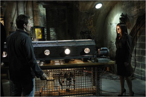 Saw 5 : photo David Hackl, Greg Bryk, Julie Benz