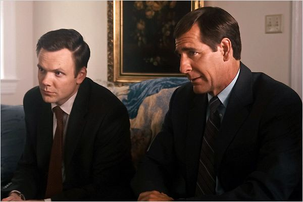 The Informant ! : Photo Joel McHale, Scott Bakula