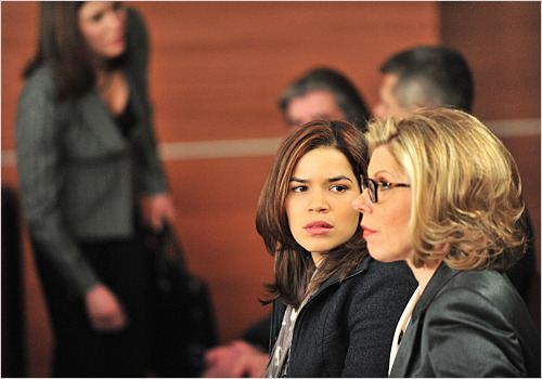 The Good Wife : photo America Ferrera, Christine Baranski