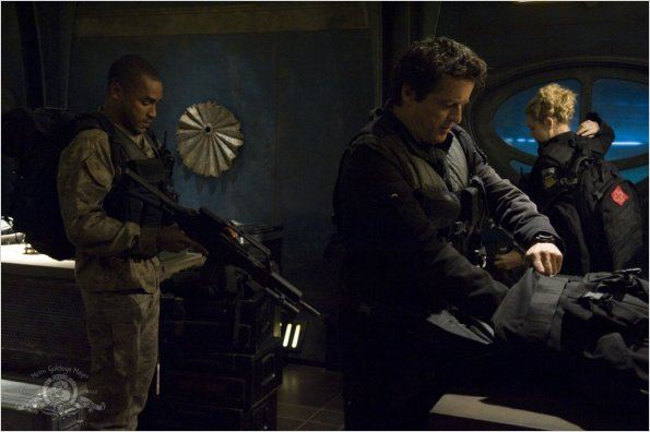 Stargate Universe : photo Alaina Huffman, Jamil Walker Smith, Justin Louis