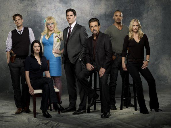 Photo A. J. Cook, Joe Mantegna, Kirsten Vangsness, Matthew Gray Gubler, Paget Brewster