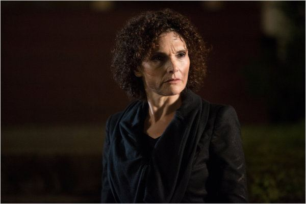 Grimm : photo Mary Elizabeth Mastrantonio