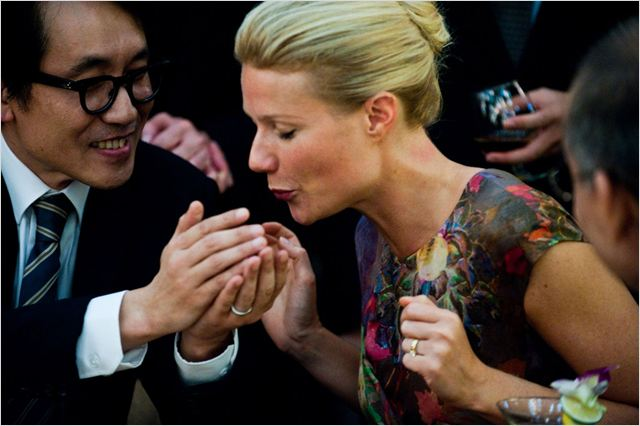 Contagion : Photo Gwyneth Paltrow, Steven Soderbergh