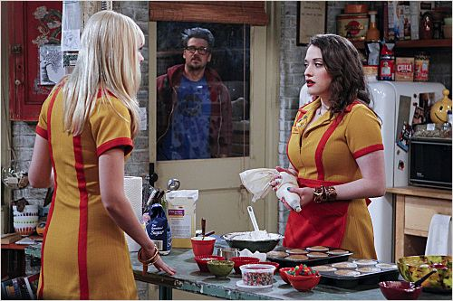 Photo Beth Behrs, Kat Dennings, Nick Zano