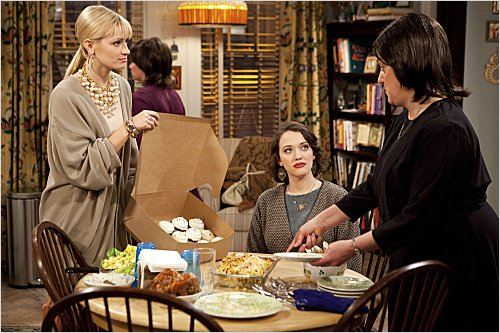 2 Broke Girls : photo Beth Behrs, Kat Dennings, Mary Testa