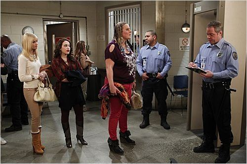 2 Broke Girls : photo Beth Behrs, Bridget Everett, Dan Warner, Hal Devi, Kat Dennings