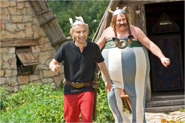 Astérix et Obélix : au service de Sa Majesté : Photo Edouard Baer, Gérard Depardieu