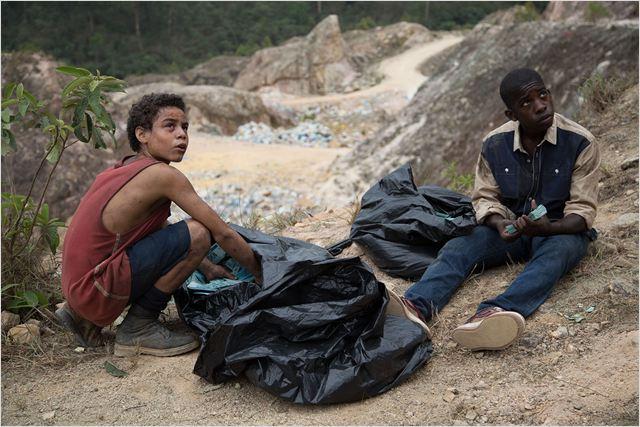 """Critique / """"Favelas"""" (2014) de Stephen Daldry 1 image"""