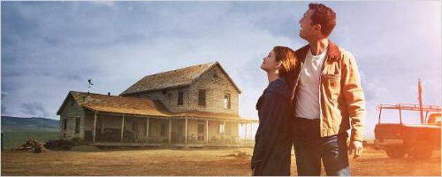 Interstellar : Matthew McConaughey la tête dans les étoiles sur le nouveau poster