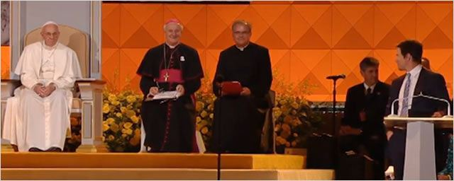 Ted : Mark Wahlberg présente ses excuses au pape François