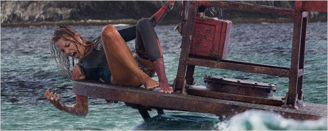 Instinct de Survie : Blake Lively face à un grand requin blanc dans une bande-annonce angoissante