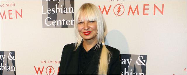 La chanteuse Sia va donner de la voix pour Rooney Mara !
