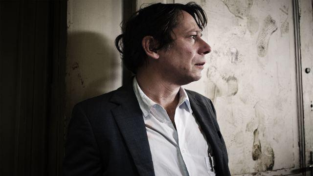 L'Agent immobilier sur Arte : que vaut la mini-série décalée avec Mathieu Amalric et Eddy Mitchell ?