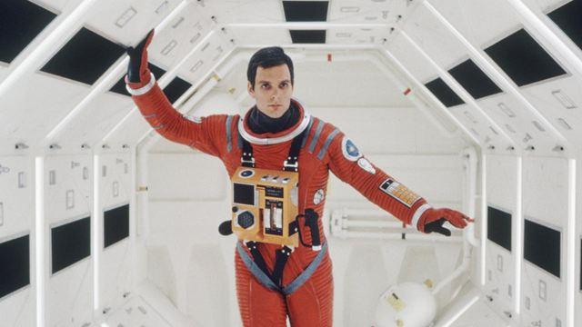 2001 l'odyssée de l'espace : une combinaison adjugée 375.000 $ aux enchères