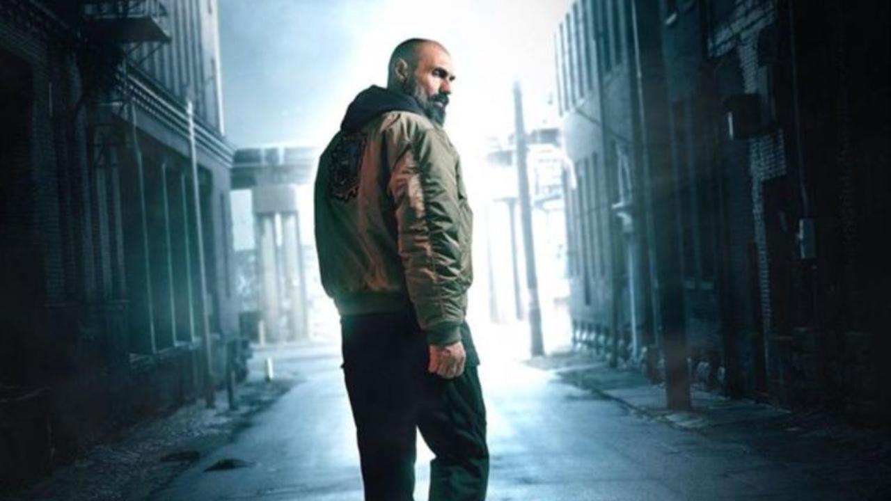 La Bête sur Netflix : c'est quoi ce thriller survolté comparé à Taken ?