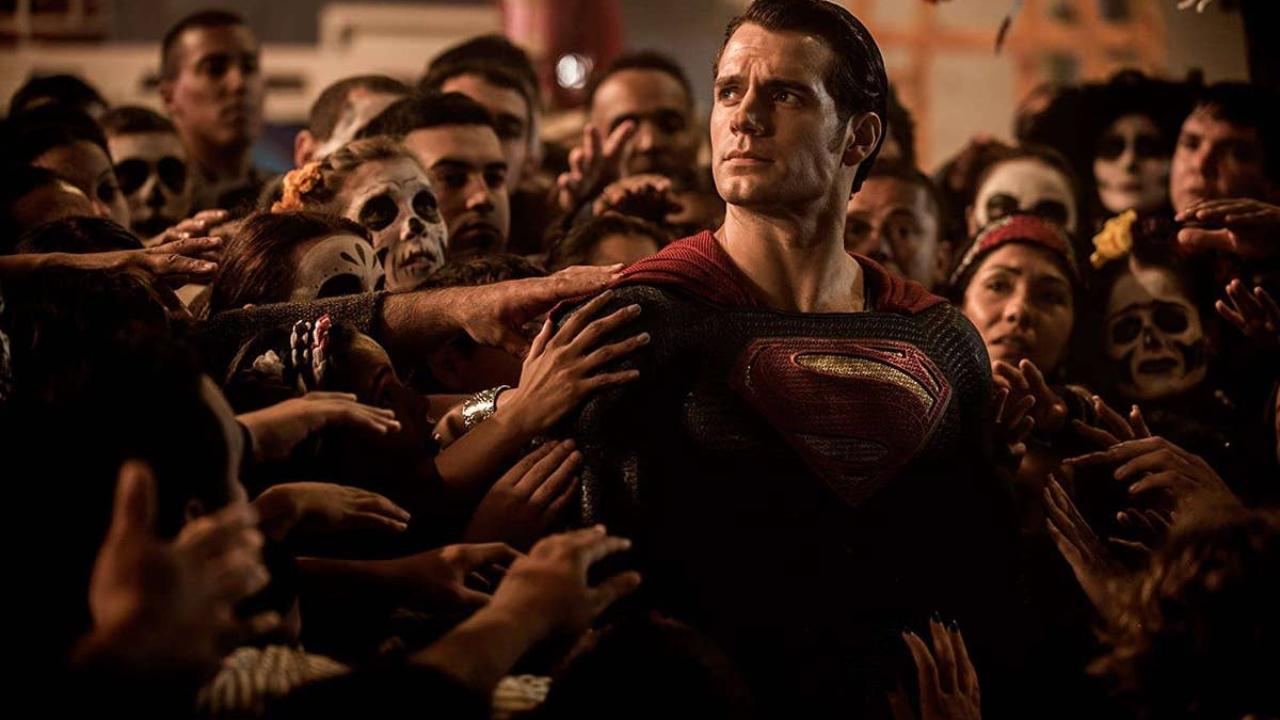 Justice League : le nouveau montage de Zack Snyder sera classé R aux États-Unis - AlloCiné