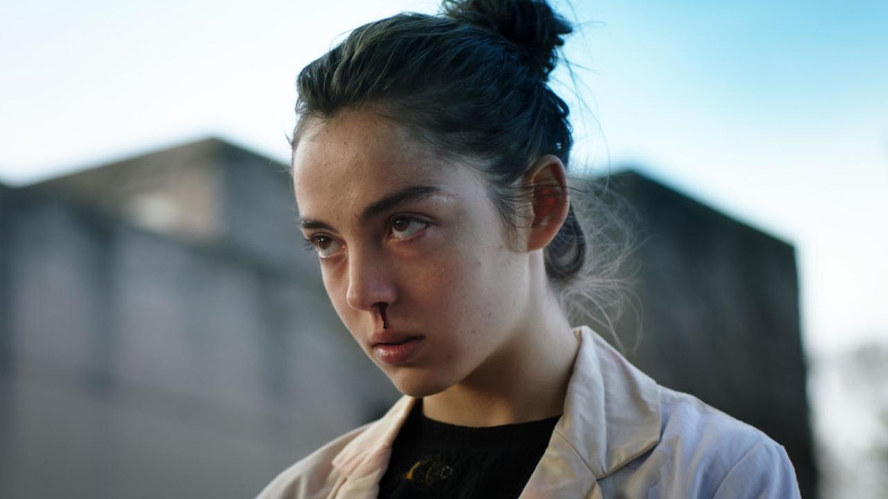 Netflix : vous avez aimé Titane ? Découvrez Grave, le premier film de Julia Ducournau ! – Actus Ciné