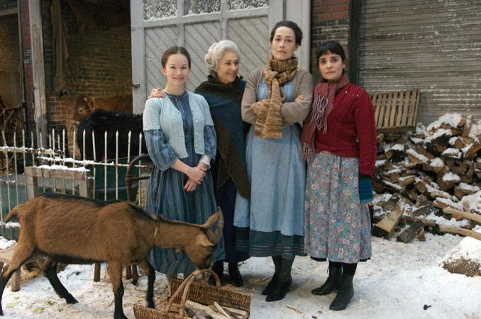Le Réveillon des bonnes : Photo Annelise Hesme, Chloé Stefani, Christine Citti, Nadine Alari