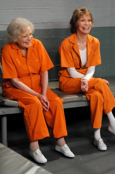 Hot in Cleveland : Photo Betty White, Mary Tyler Moore