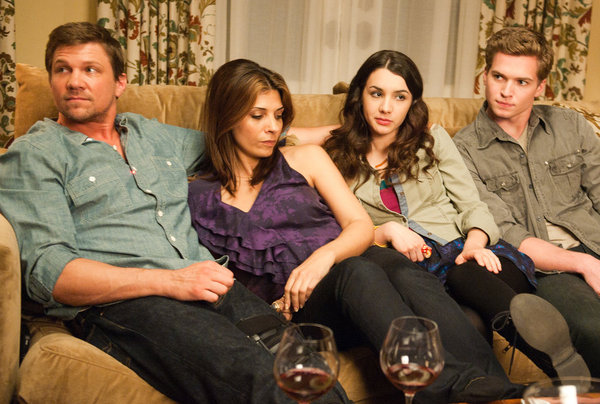 Photo Callie Thorne, Hannah Marks, Marc Blucas, Patrick Johnson