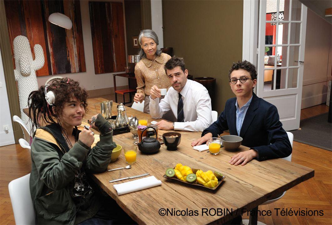 Tout le monde descend ! : Photo Daphné Chollet, Jules-Angelo Bigarnet, Thiên Châu, Thierry Neuvic