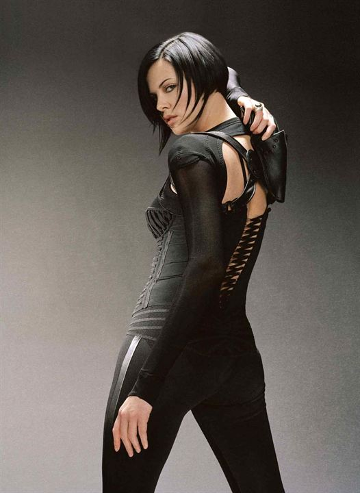 "Charliz Theron alias ""Aeon Flux"""