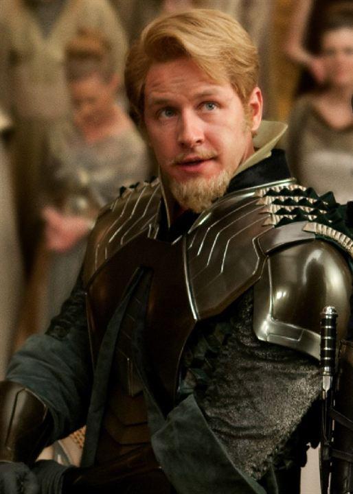 Moustache et bouc dégagés pour Fandral, membre du trio Palatin et ami de Thor