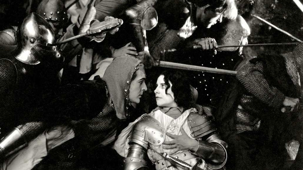 "Geraldine Farrar dans ""Joan the Woman"" de Cecil B. DeMille (1916)"