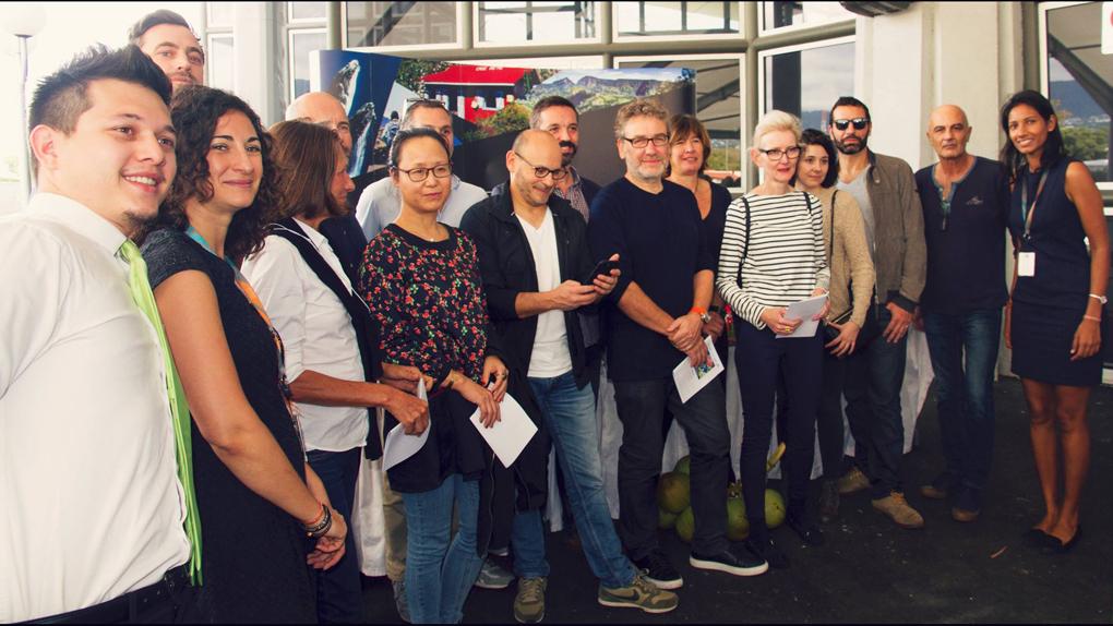"""Les invités de l'Eductour """"La Réunion des Cinémas"""" à l'aéroport"""