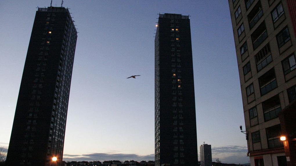 """Les Red Road flats situés à Glasgow dans le film """"Red Road"""" (2006)"""