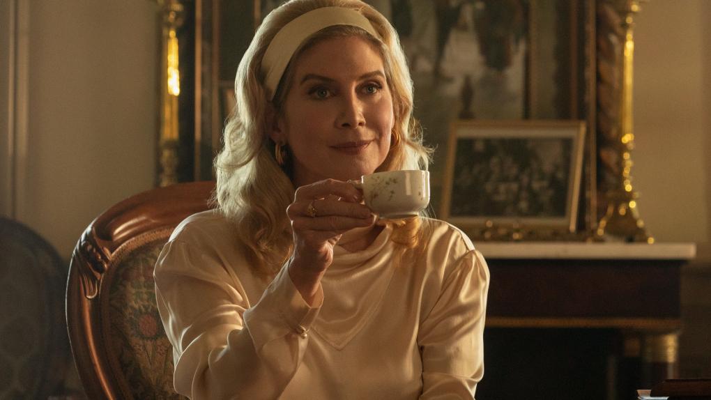 Carla Limbrey (Elizabeth Mitchell)
