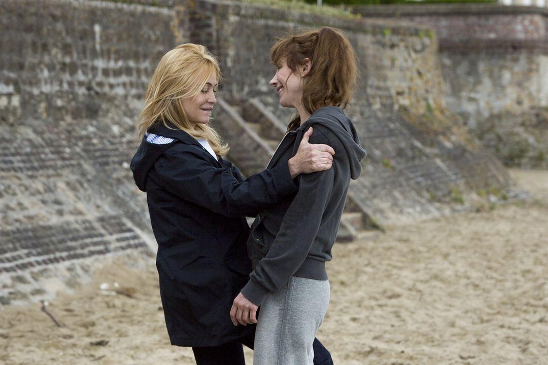 Les Yeux jaunes des crocodiles: Julie Depardieu, Emmanuelle Béart