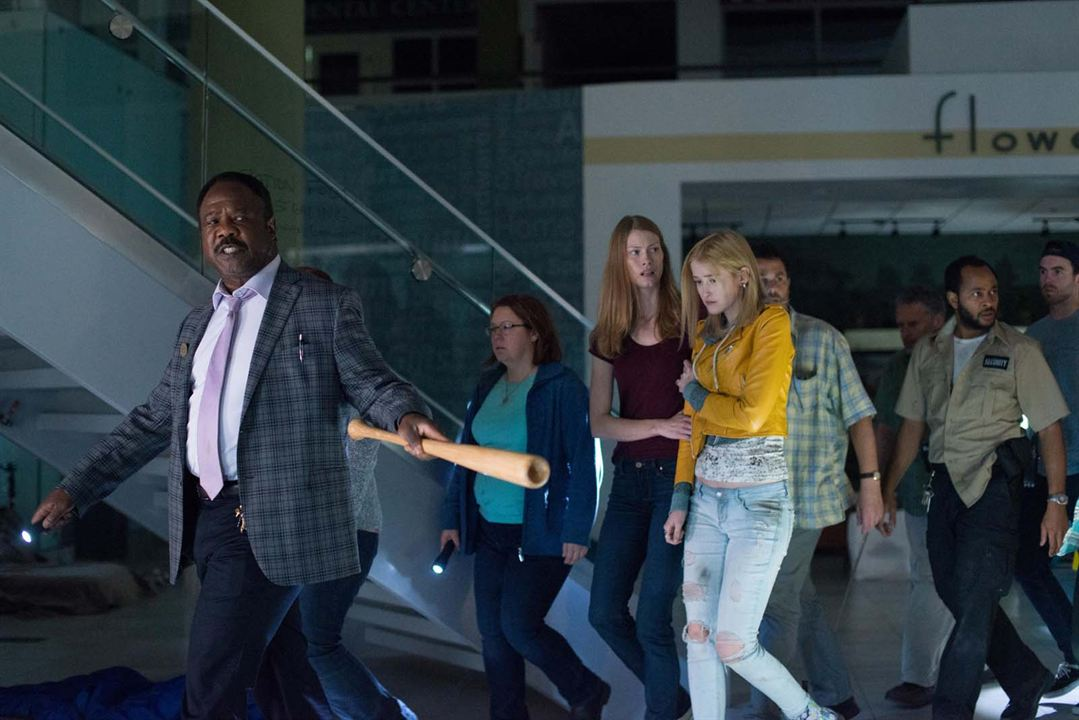 Photo Alyssa Sutherland, Gus Birney, Isiah Whitlock Jr.