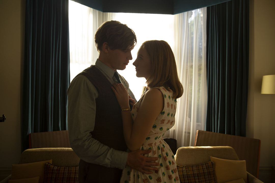 Sur la plage de Chesil : Photo Billy Howle, Saoirse Ronan