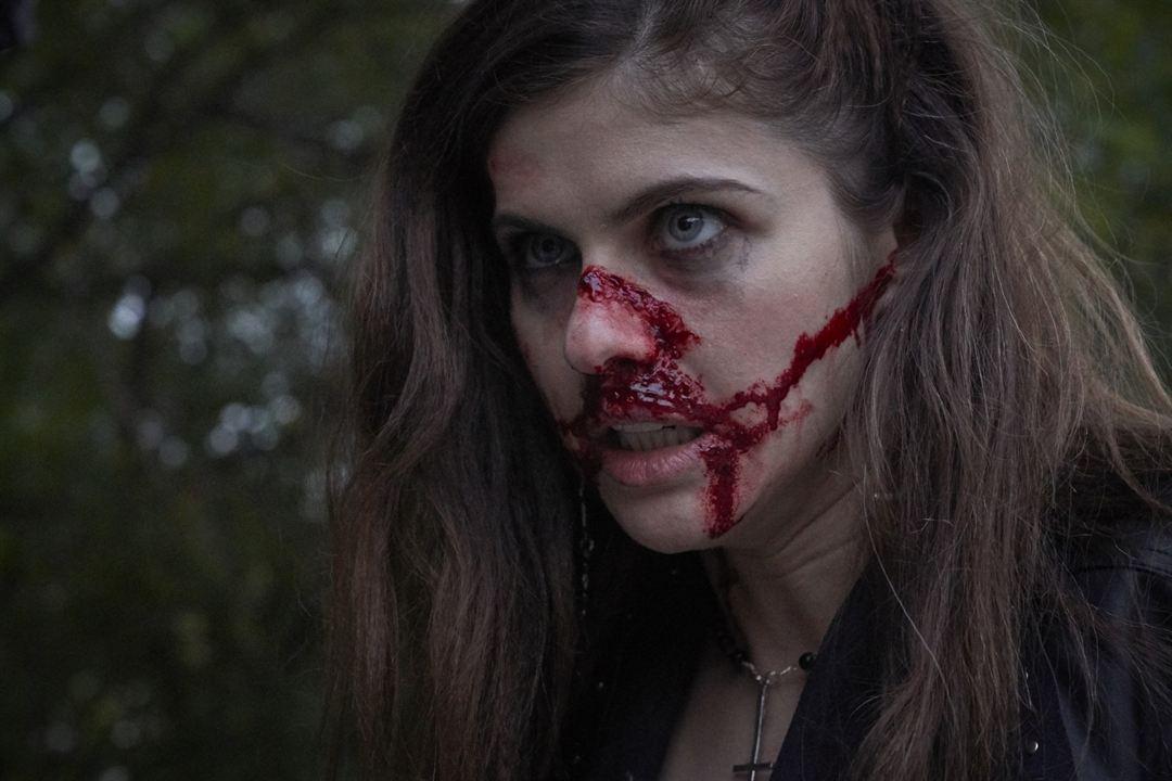 We Summon The Darkness: Alexandra Daddario